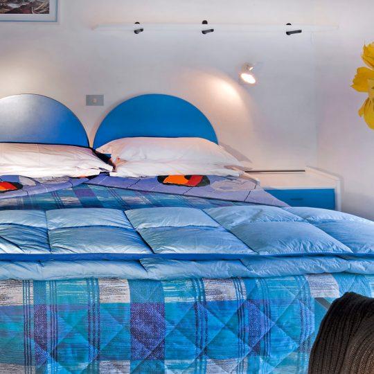 Camera con letti blu al San Giorgio hotel a Lignano